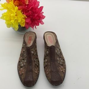Pikolinos Brown Flowered cut out mule - Sz 39
